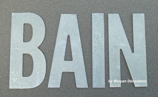 Lettre décorative en métal zinc BAIN 2