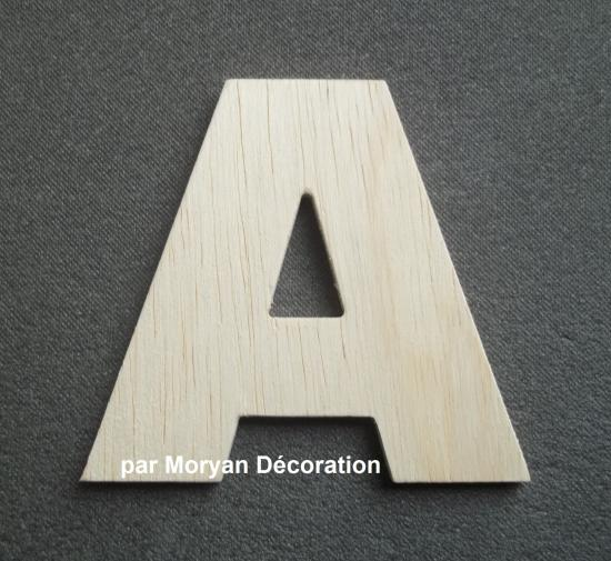 Lettre en bois decorative ARIAL BLACK