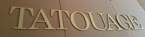 Lettre en métal alu brossé ou couleur ou miroir TATOUAGE
