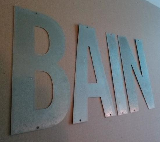 Lettre en zinc BAIN