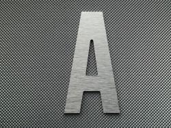 Découpe de lettre enseigne en alu brossé DIBOND ALTERNATE GOTHIC