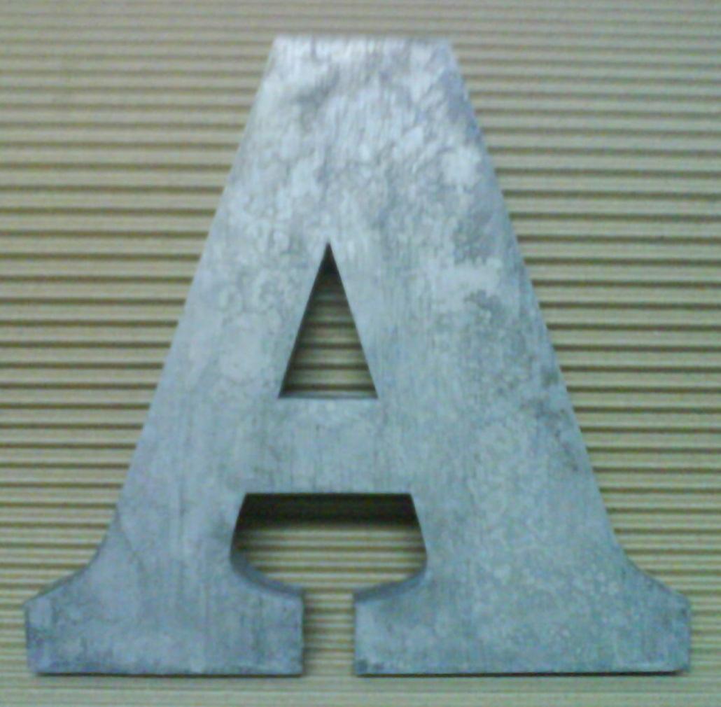 Lettre m tal 3d clarendon bold - Lettre decorative metal ...