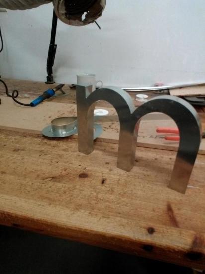 Lettre 3D en relief M1