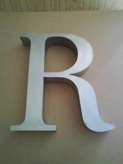Lettre 3D en relief R