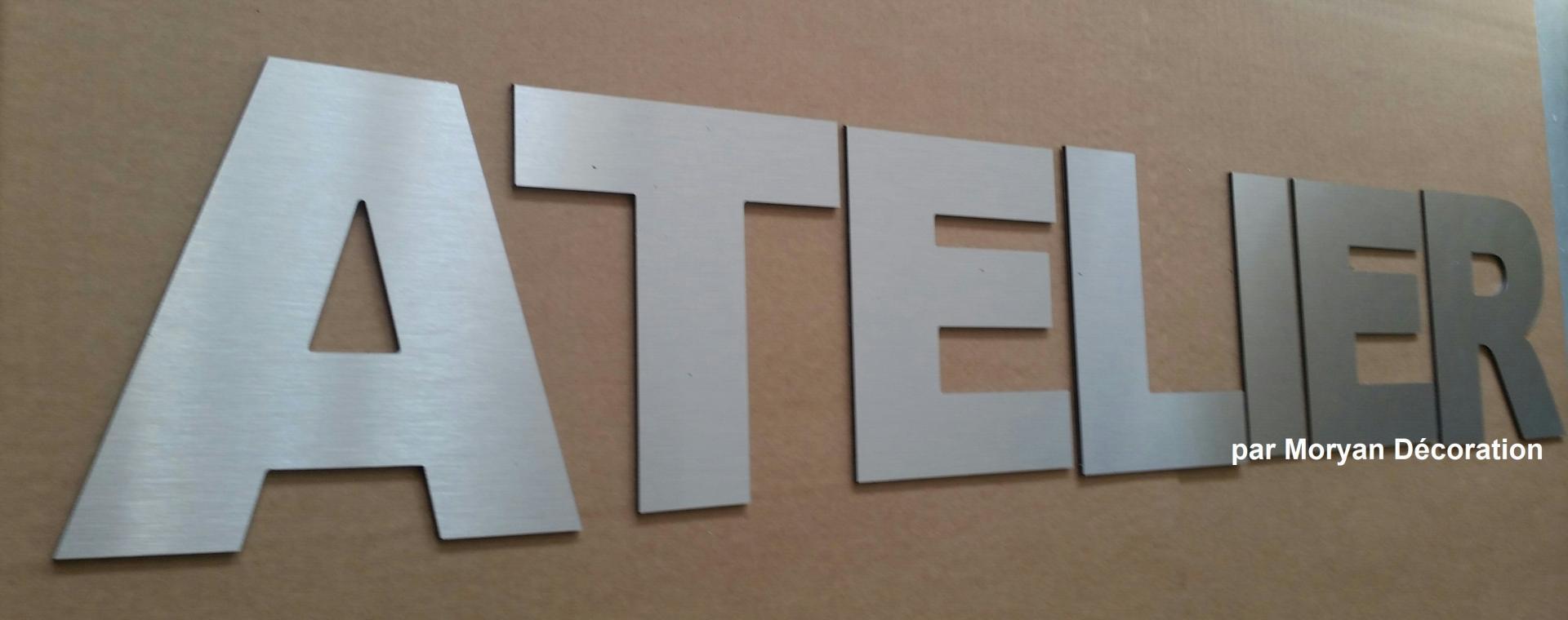 Lettre decorative ATELIER