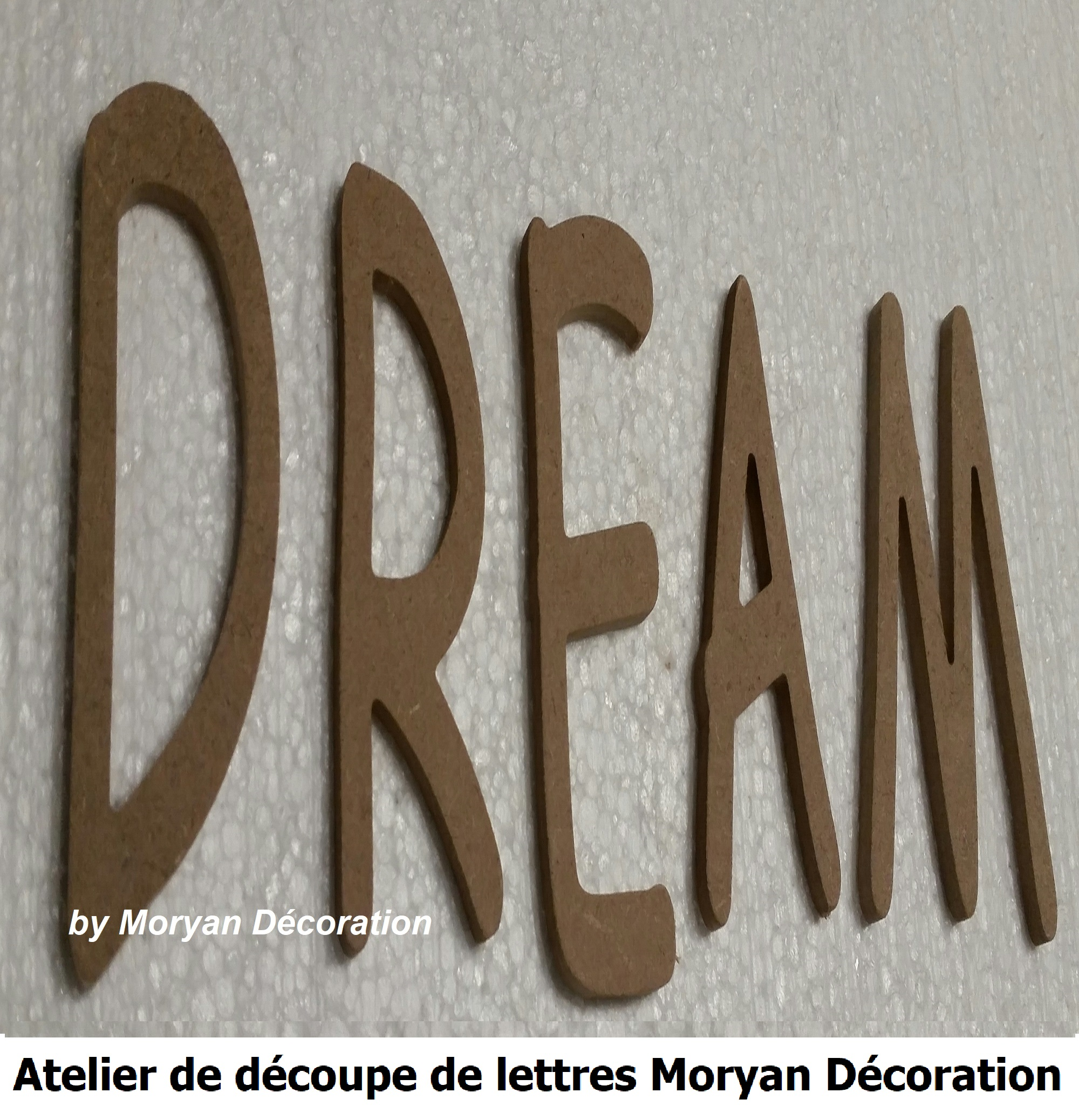 Lettre decorative DREAM