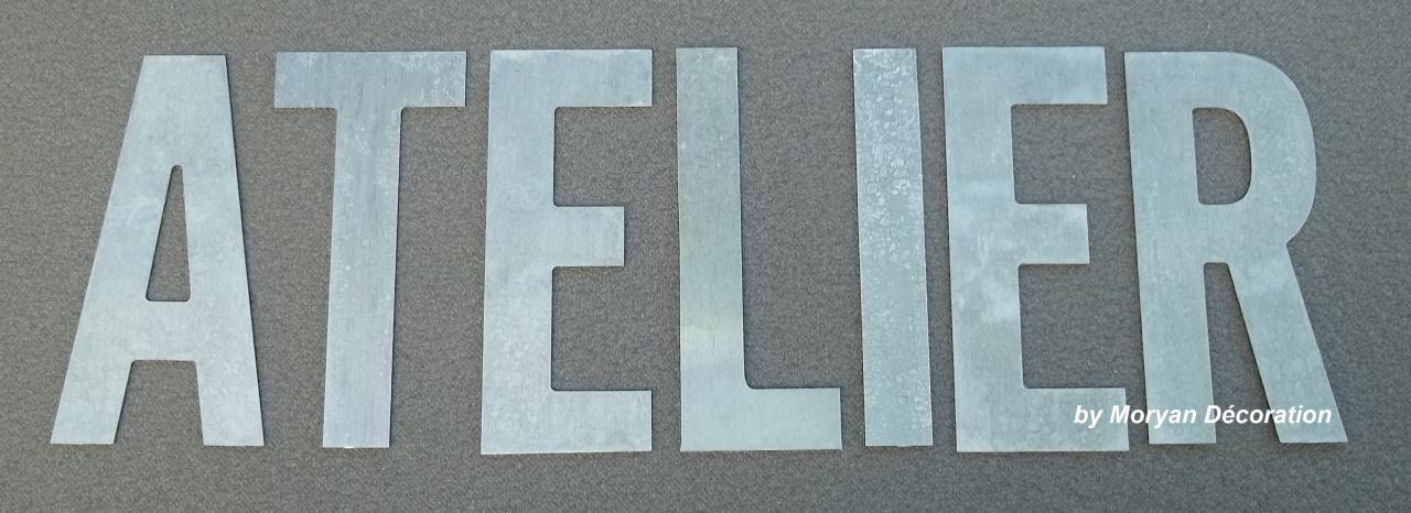 Lettre décorative en métal zinc ATELIER 2