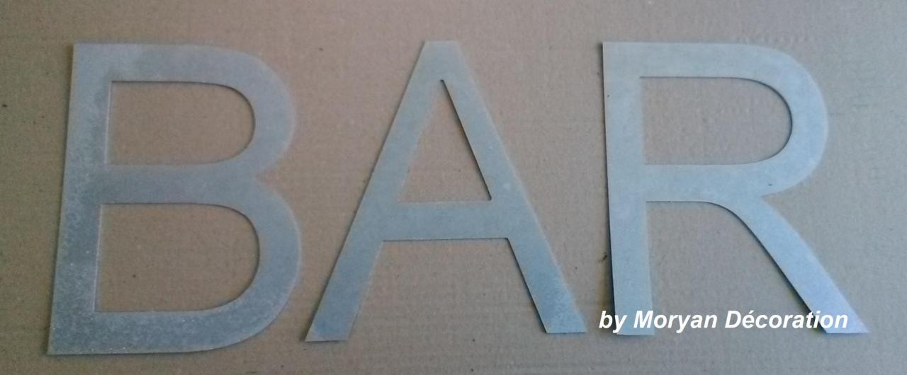 Lettre décorative en métal zinc BAR 2