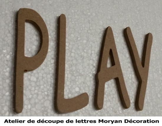 Lettre decorative PLAY
