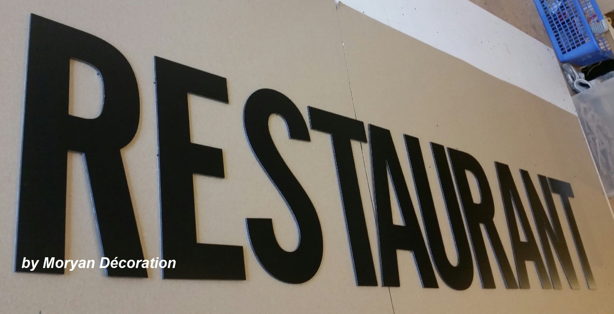 Lettre en metal restaurant