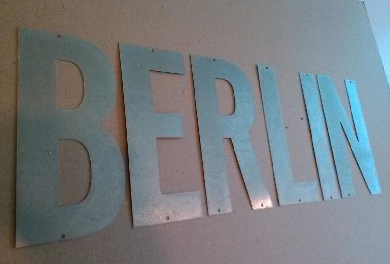 Lettre en zinc BERLIN