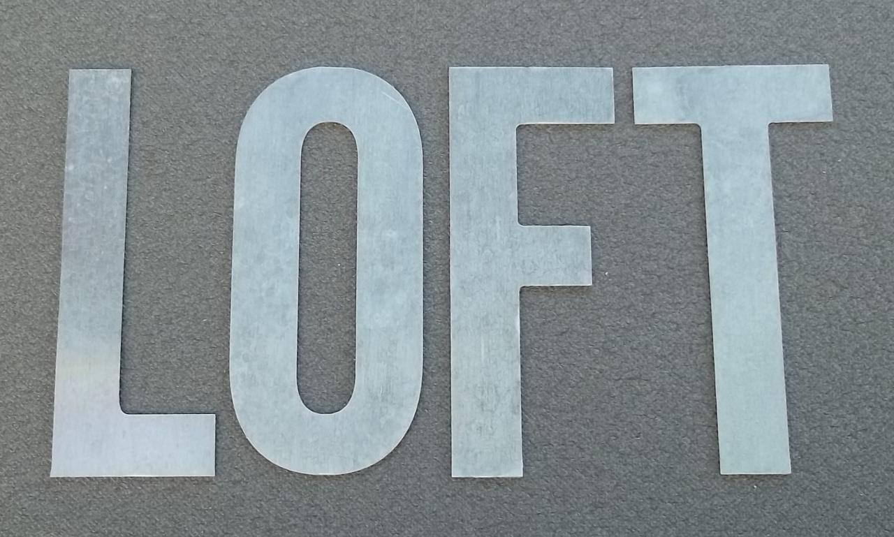 Lettre en zinc LOFT 1