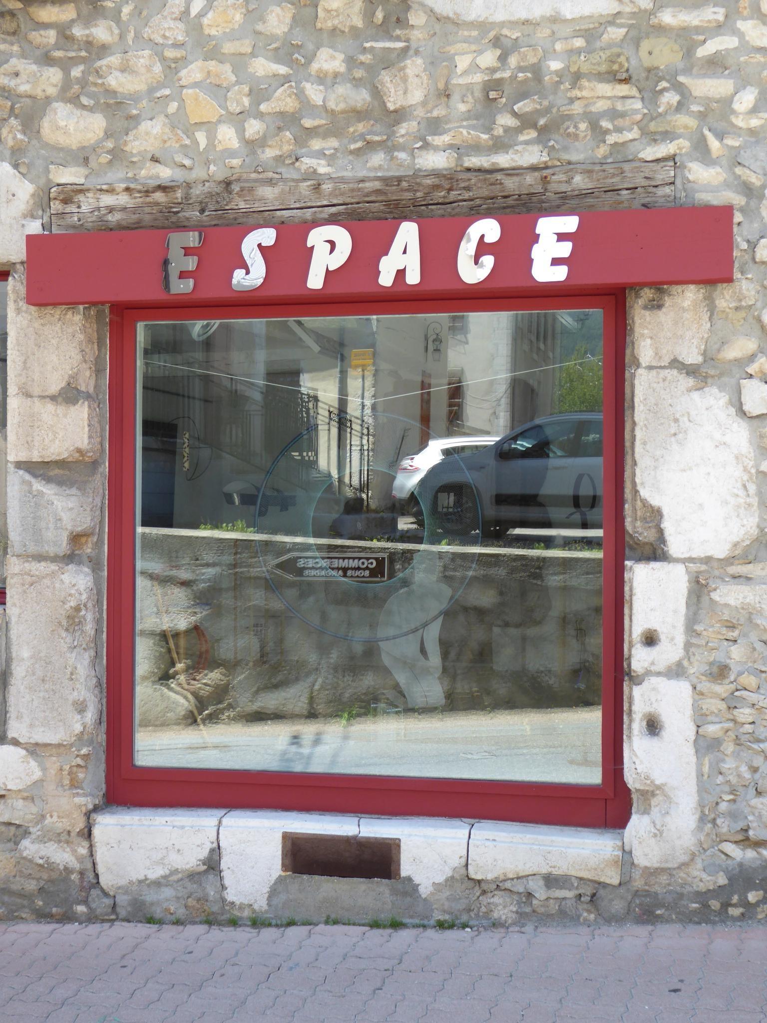 Lettre miroir espace 3