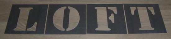 Pochoir lettre en métal zinc LOFT