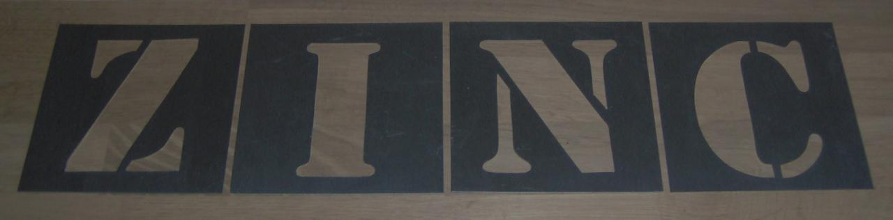 Pochoir lettre en métal zinc ZINC