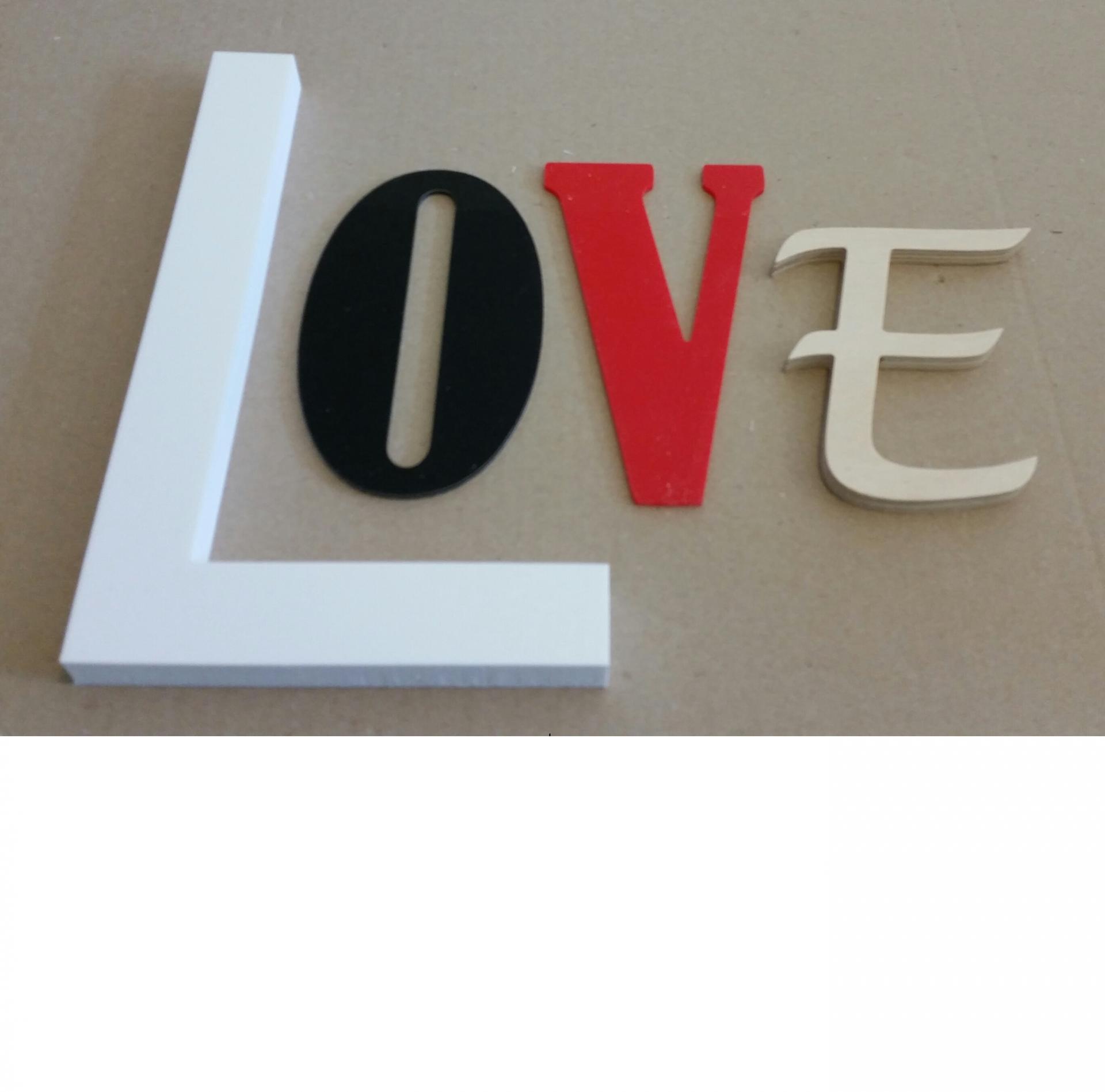 Lettre decorative love lot 0007