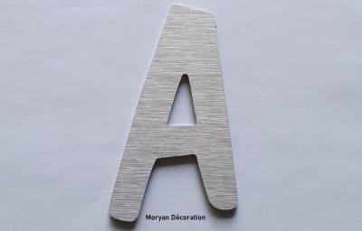 Découpe de lettre enseigne en alu brossé DOM CASUAL
