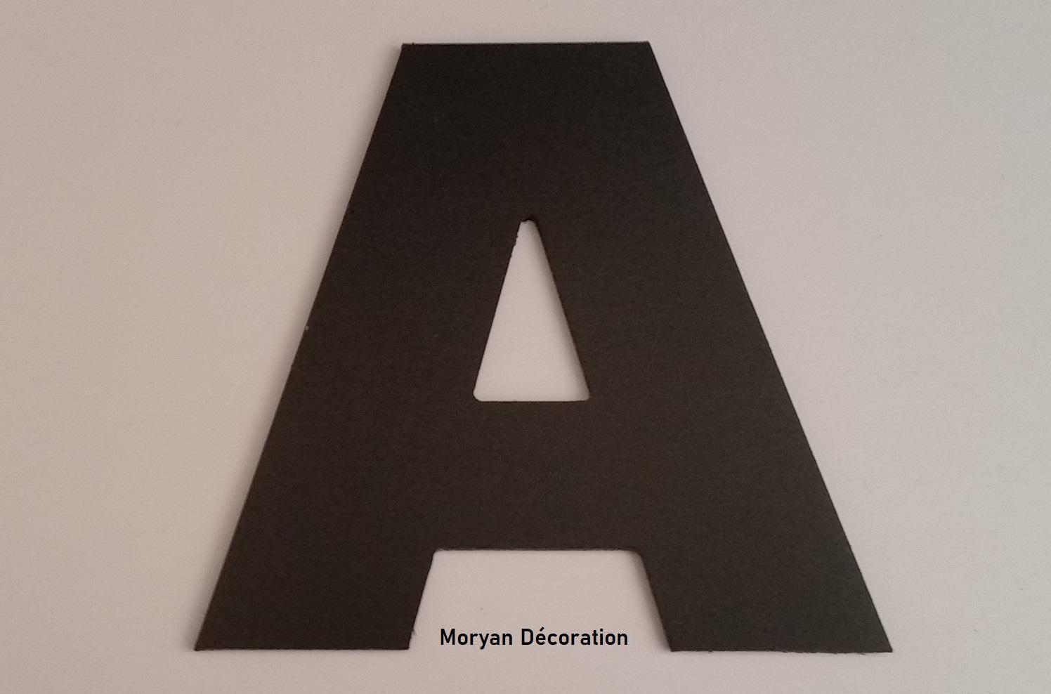 Lettre decorative murale en pvc couleur arial black