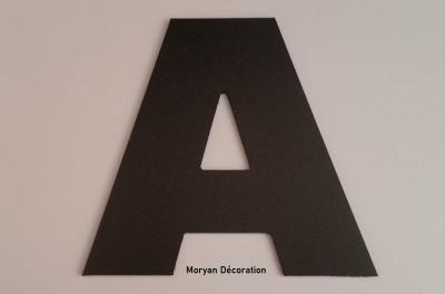 Lettre decorative murale en PVC couleur ARIAL BLACK