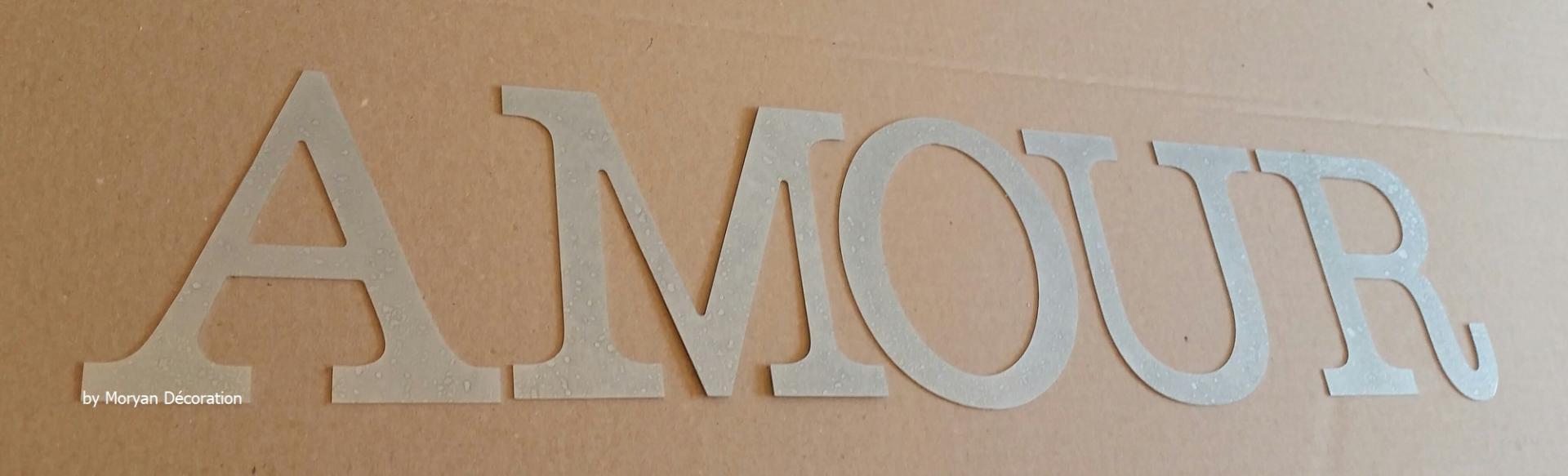 Lettre decorative zinc amour 1