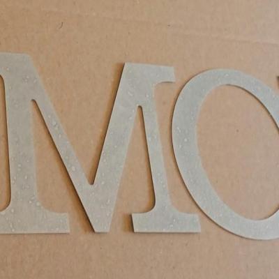 Lettre decorative en zinc AMOUR