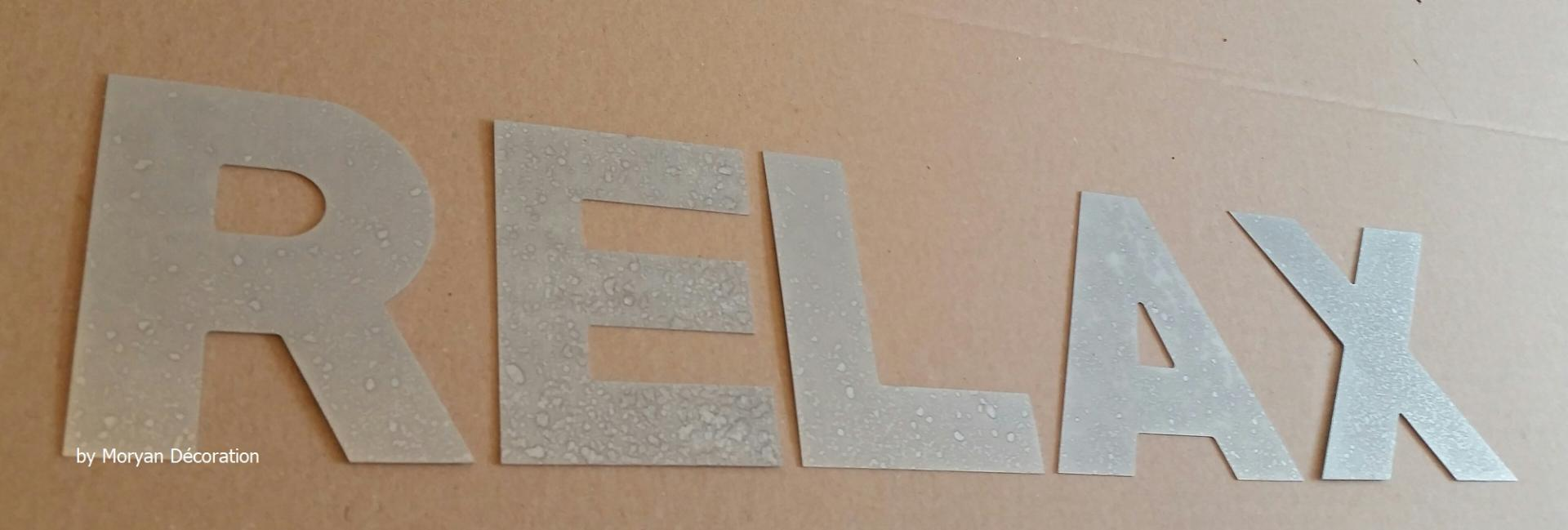 Lettre decorative zinc relax 1