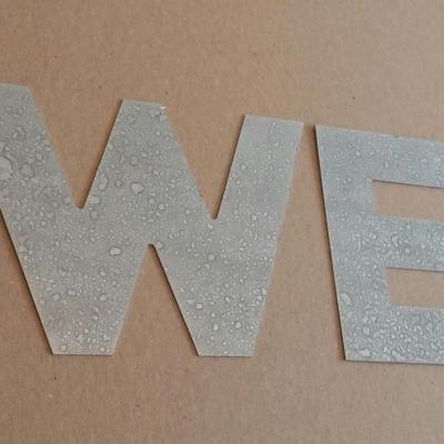 Lettre decorative en zinc SWEET
