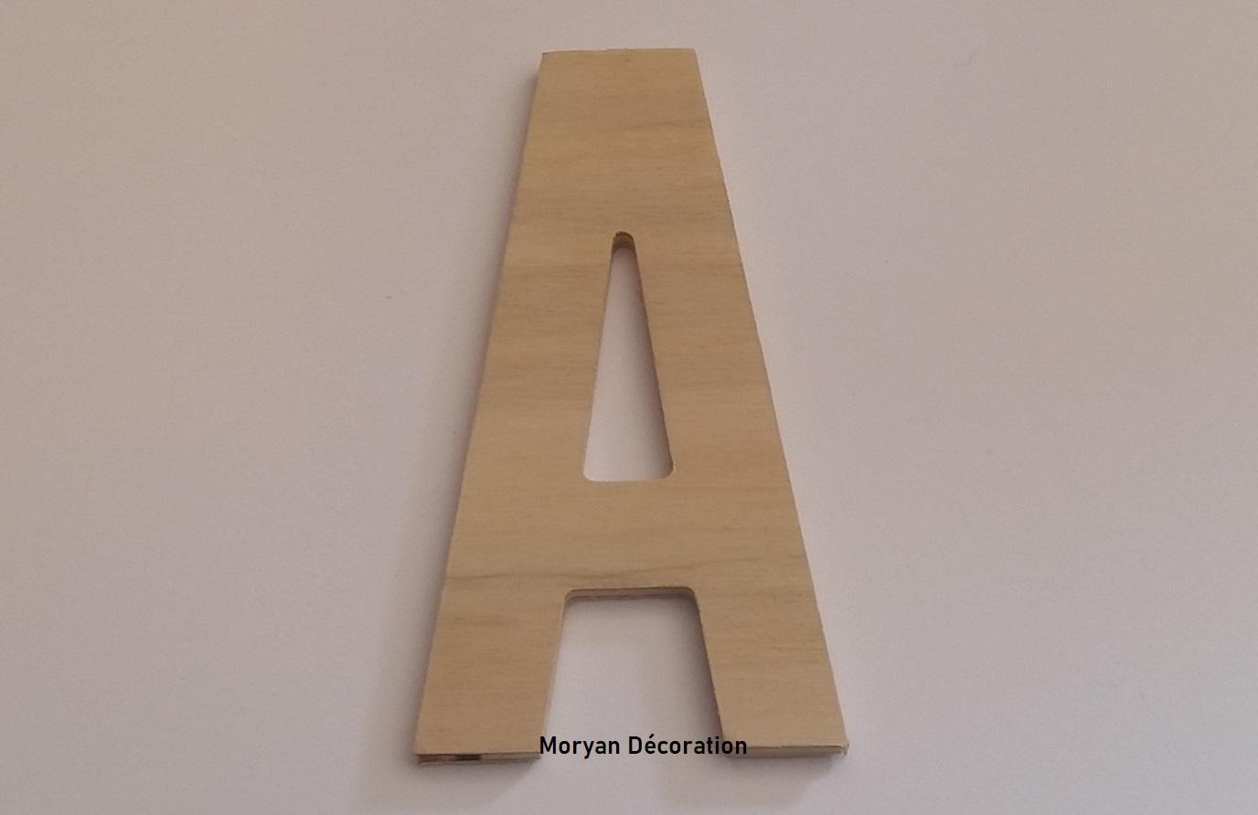 Lettre en bois decorative a peindre alternate gothic