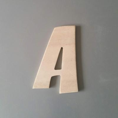 Lettre en bois modèle ZOINKS