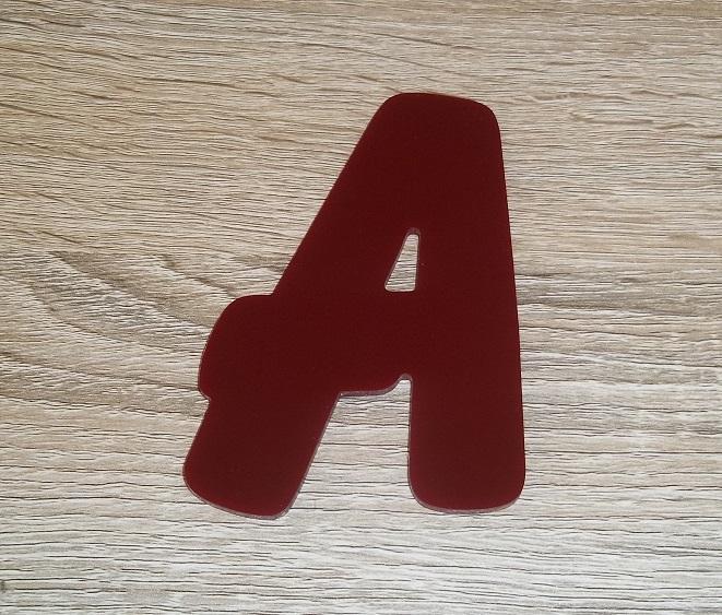 Lettre en plexiglas rouge balloon 2