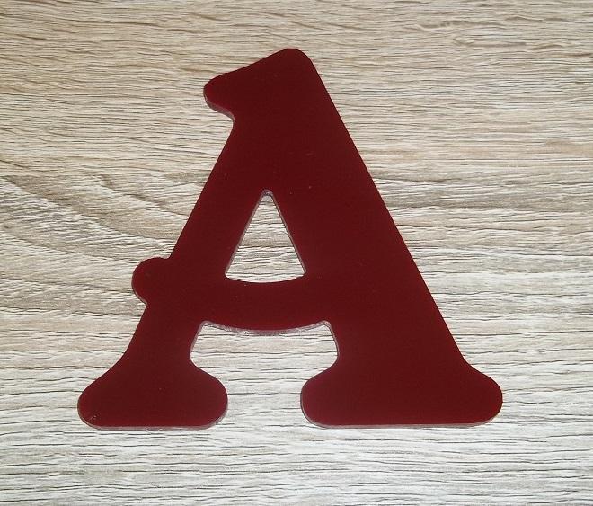 Lettre en plexiglas rouge belshaw 2