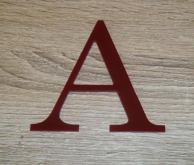 Lettre en plexiglas rouge century 2