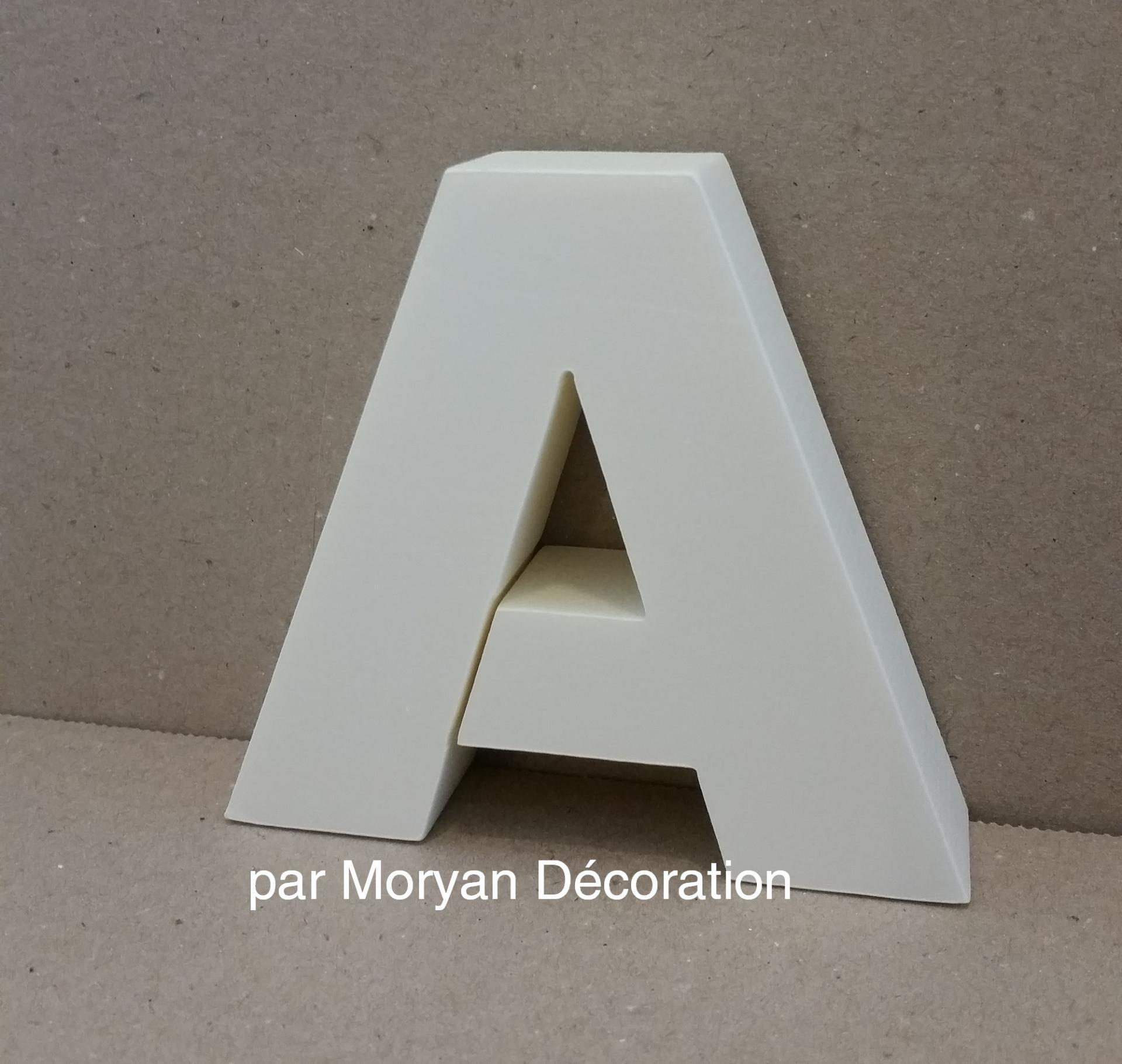 Lettre en polystyrene arial black 2
