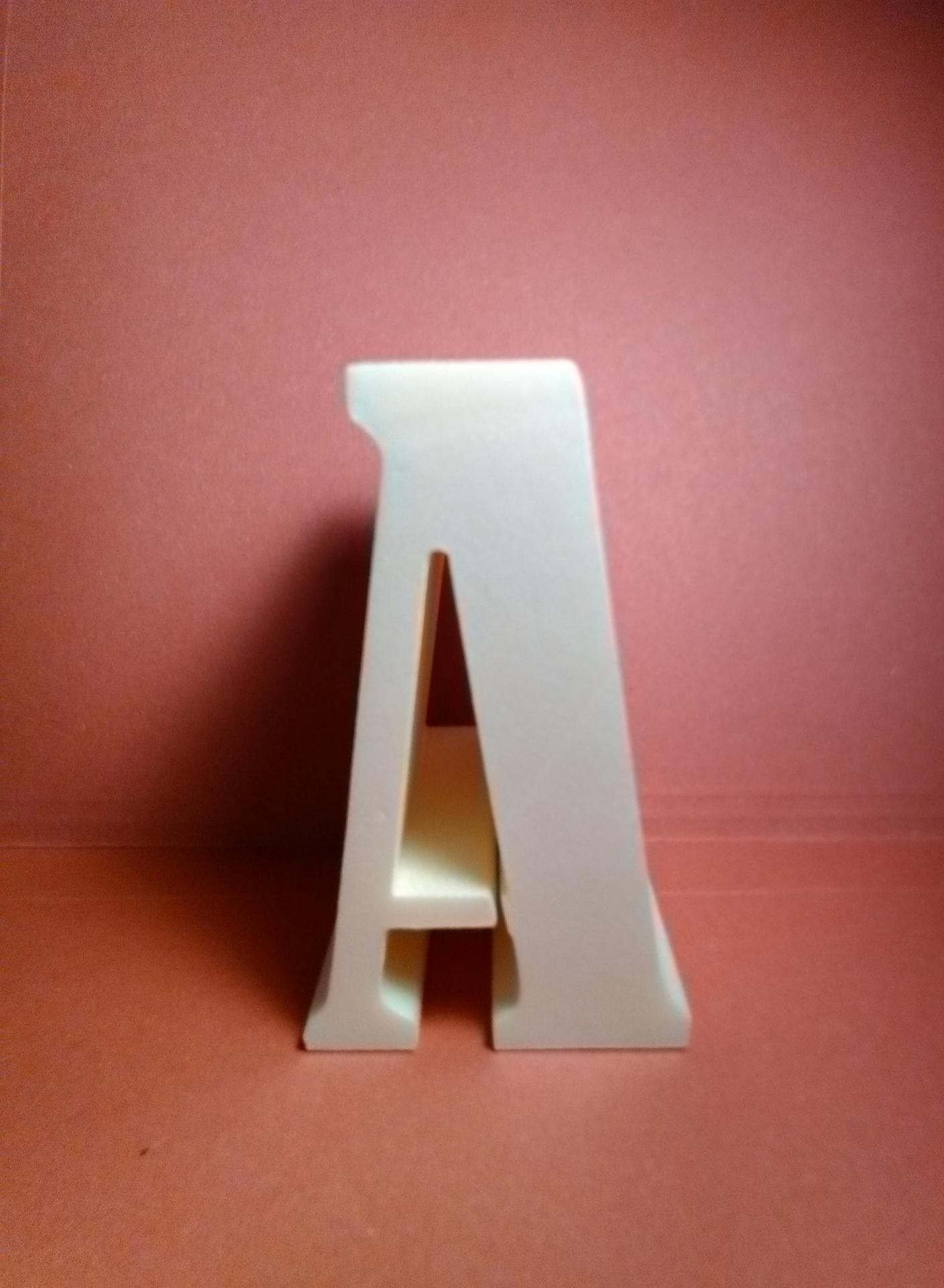 Lettre en polystyrene bernard condensed