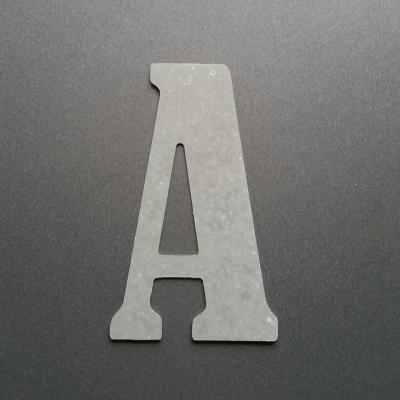 Lettre en zinc BERNARD