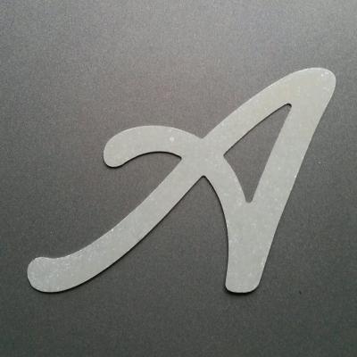 Lettre en zinc modèle LOMBRIZ