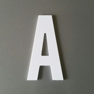 Lettre en plastique blanc ALTERNATE GOTHIC