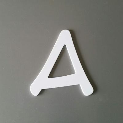Lettre en plastique blanc modèle ANIME ACE
