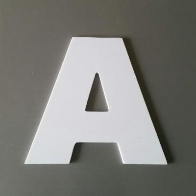 Lettre en plastique blanc modèle ARIAL BLACK