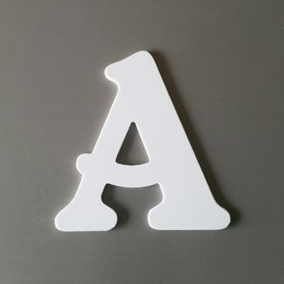 Lettre en plastique blanc modèle BELSHAW