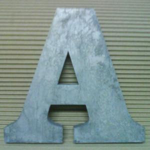 lettre-metal-3d-clarendon-bold.jpg
