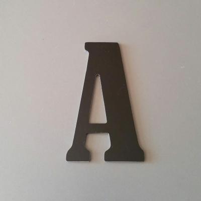 Lettre en alu DIBOND couleur & métal BERNARD CONDENSED