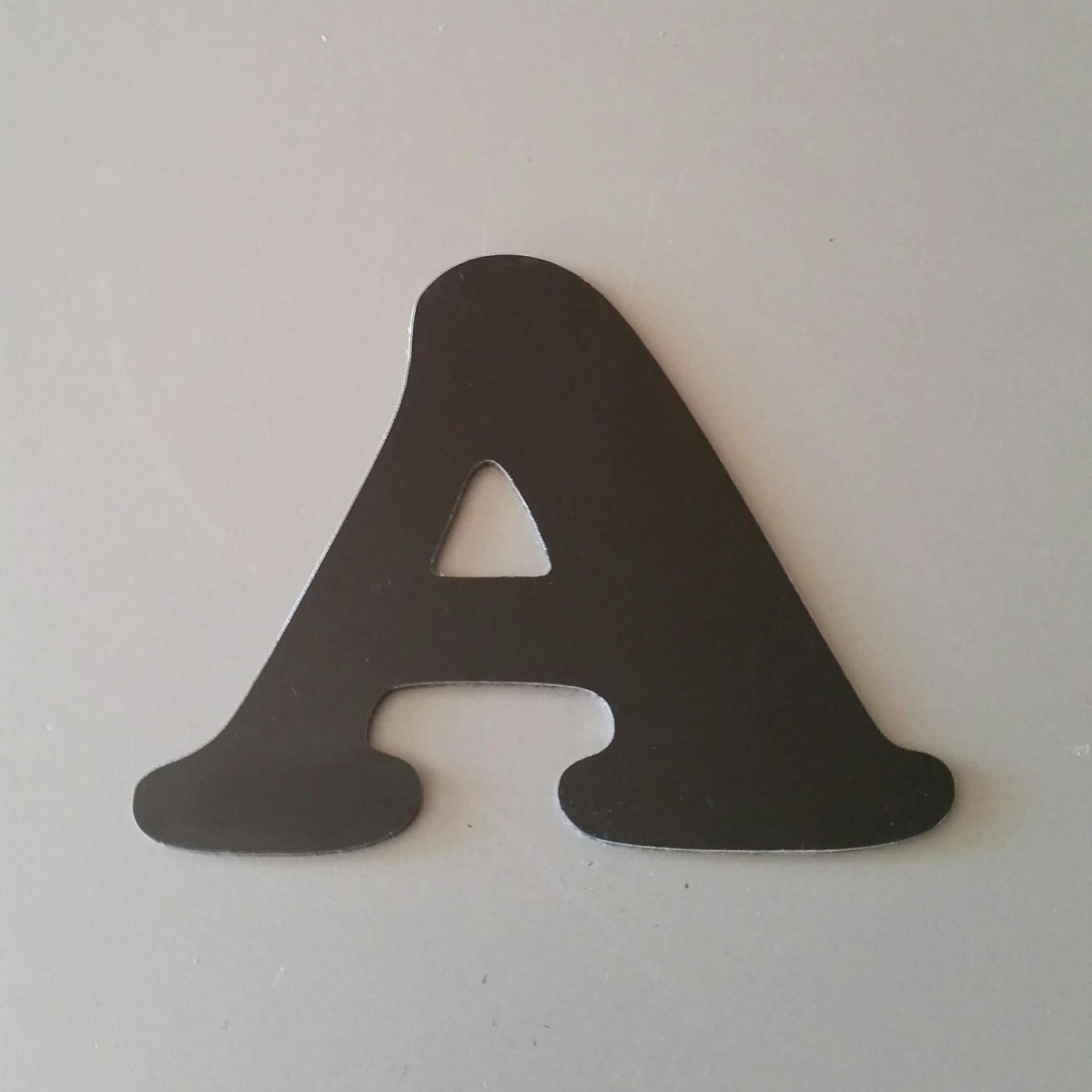 Lettre metal cooper black 1