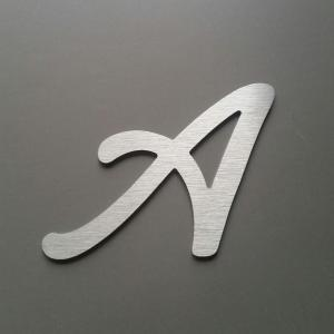Lettre metal lombriz