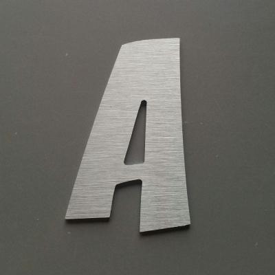 Lettre metal modèle ZOINKS