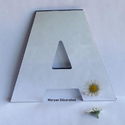 Lettre miroir modèle ARIAL BLACK