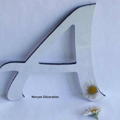 Lettre miroir modèle LUCIDA HAND