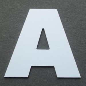 Découpe lettre enseigne plastique PVC ARIAL BLACK