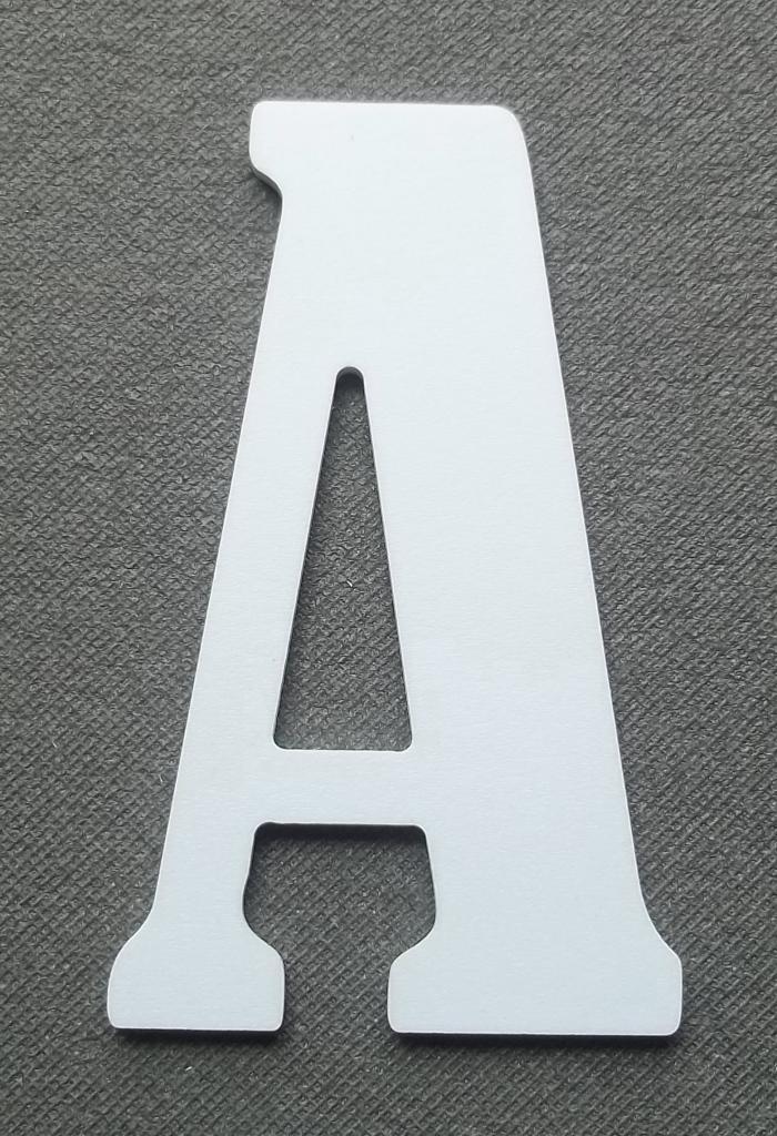 Découpe lettre enseigne plastique PVC BERNARD