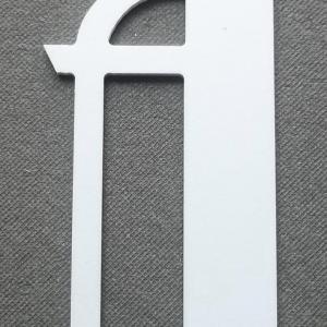 Découpe lettre enseigne plastique PVC BETTY